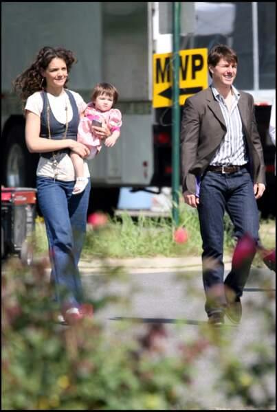 Suri Cruise est le premier enfant biologique de Tom Cruise, qui a adopté deux enfants avec Nicole Kidman.