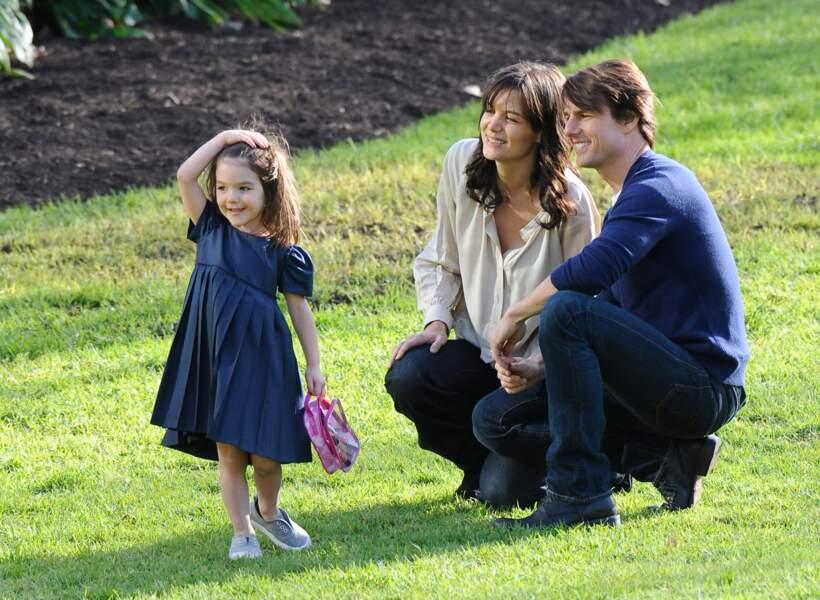 le temps du bonheur pour Tom Cruise, Katie Holmes et leur fille Suri, le 7 aout 2009. La petite fille a 3 ans.