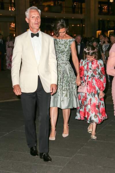 Katie Holmes et sa fille Suri Cruise , toutes les deux en robe à fleurs lors d'American Ballet Theater Spring Gala au Lincoln Center à New York, le 21 mai 2018