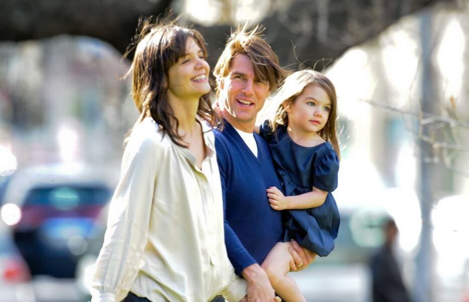 Tom Cruise, Katie Holmes et leur fille Suri se promenent dans les jardins de Flagstaff a Melbourne en Austalie le 7 aout 2009.