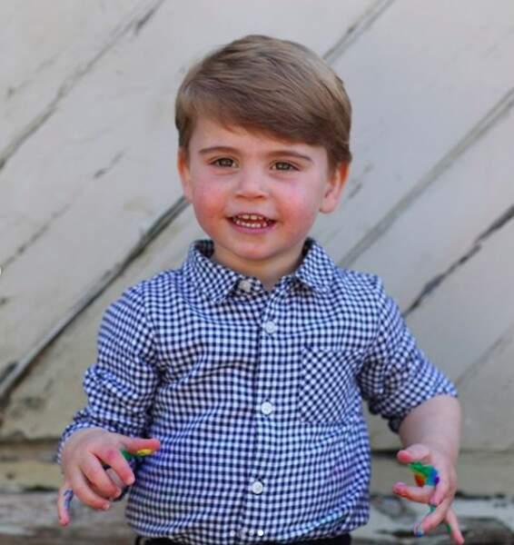 Le petit prince va ainsi fêter son deuxième anniversaire confiné avec sa famille dans le manoir de Anmer Hall.