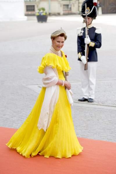 La reine Sonja de Norvège lors du mariage de Carl Philip de Suède et Sofia Hellqvist à Stockholm, le 13 juin 2015