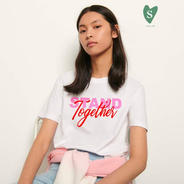 Stand Together pour femme, 65€, Sandro Solidaire sur www.sandro-paris.com
