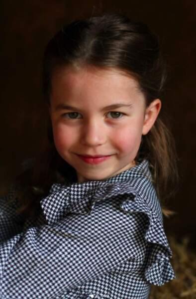 A l'occasion du 5ème anniversaire de la princesse Charlotte, ses parents ont publié de ravissantes photos d'elle sur leur compte Instagram.