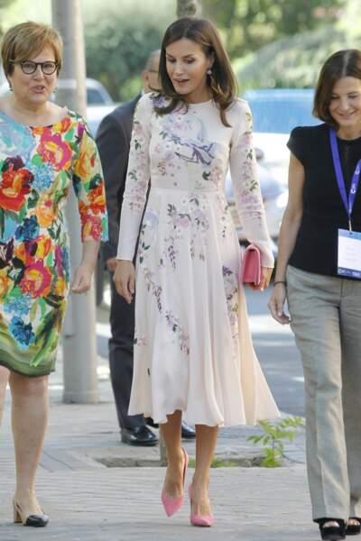 Letizia d'Espagne dans une de ses robes à fleurs élégantes, le 8 juillet 2019.
