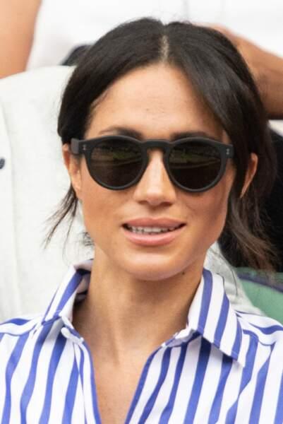 Meghan Markle porte les lunettes  leonard d'Ilesteva. Une marque adorée par  Zara Tindal.