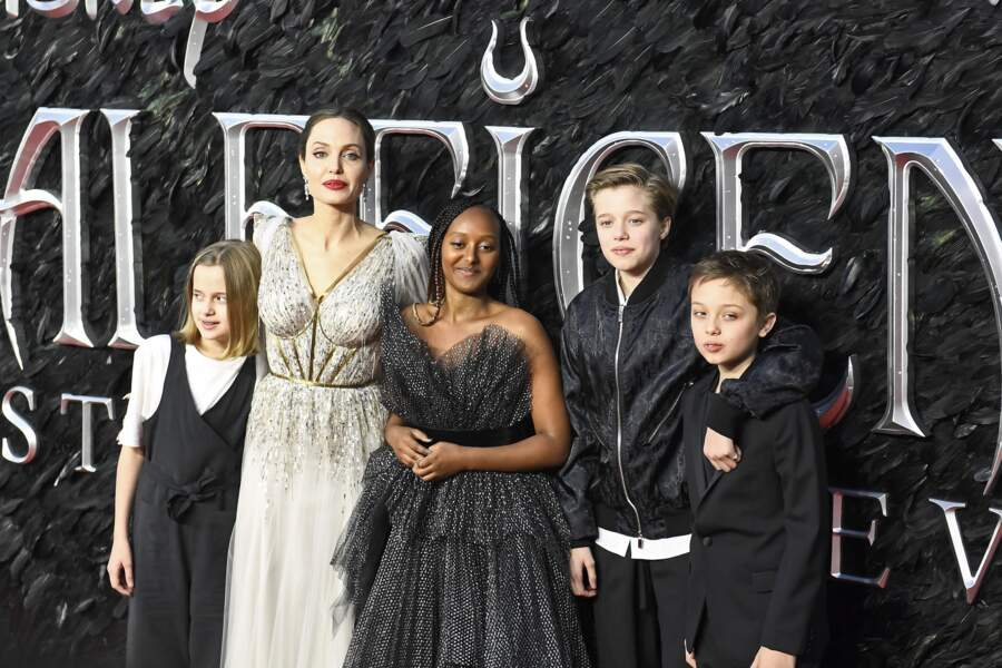 Angelina Jolie avec Vivienne, Zahara, Shiloh et Knox Leon  à Londres, le 9 octobre 2019.