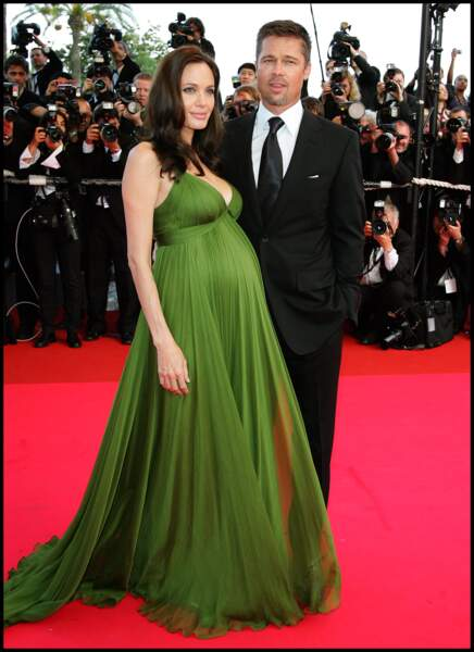 Angelina Jolie enceinte de Vivienne et Knox à Cannes en 2008.