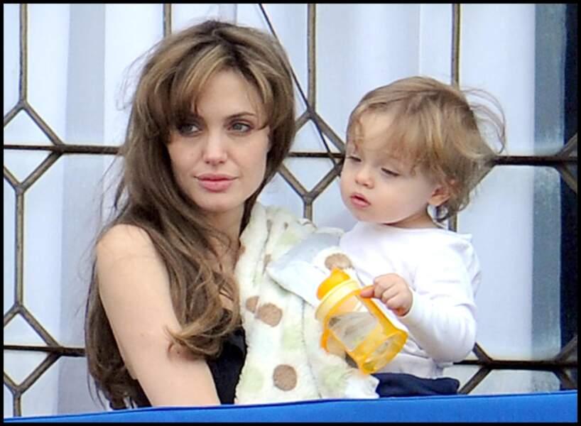Angelina Jolie au naturel avec sa fille Vivienne Marcheline.