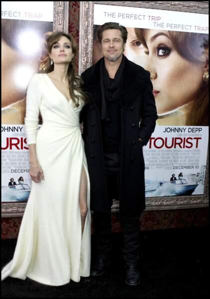 Angelina Jolie ultra glamour avec Brad Pitt.
