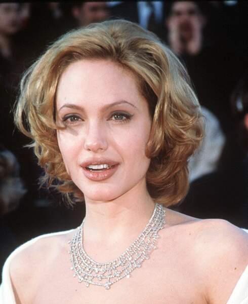 Angelina Jolie en 1990