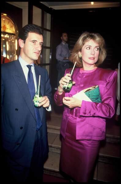 Pierre Lescure et Catherine lors d'une sortie théâtre.
