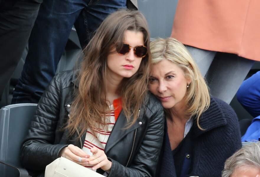 2014 : Michèle Laroque, toujours très tendre et complice avec sa fille Oriane Deschamps.