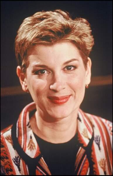 """1994 : Michèle Laroque, coupe à la garçonne pour l'émission """"pour une nuit ou pour la vie"""""""