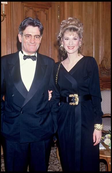 Michèle Laroque, chignon tout bouclé,  avec son mari Dominique Deschamps.
