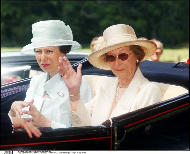 La princesse Anne et la reine du Luxembourg à Ascot
