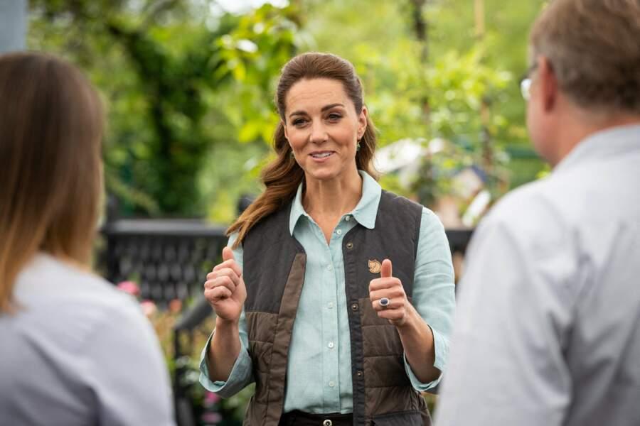 Kate s'informe sur la façon dont les entreprises survivent au coronavirus