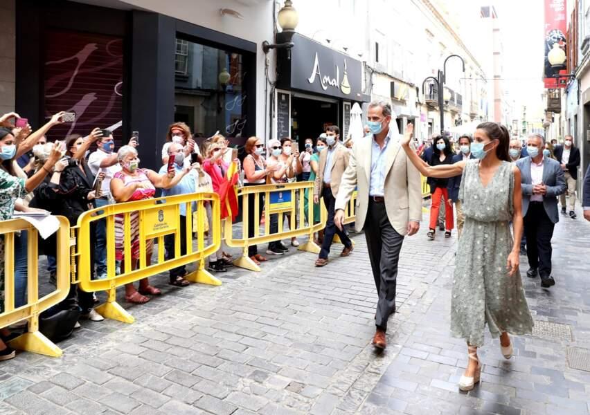 La reine Letizia d'Espagne en robe Zara soldée à moins de 30€ sur le site espagnol de la marque.