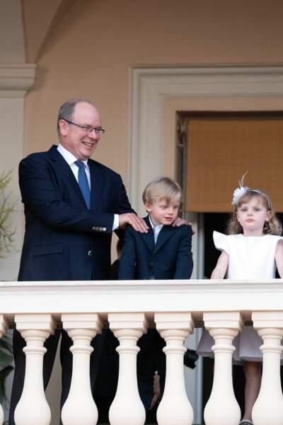 Le prince Albert II, avec ses jumeaux, Gabriella et Jacques, âgés de 5 ans.