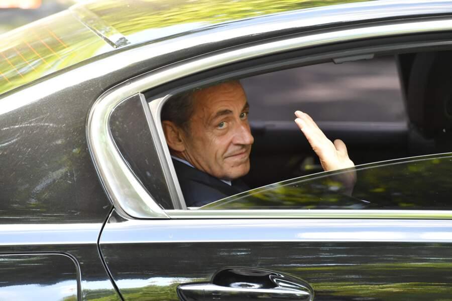 L'ancien président Nicolas Sarkozy a salué cet ancien ministre et figure de la droite française