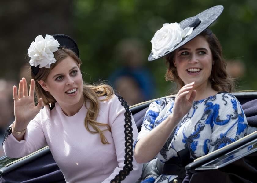Les princesses Beatrice et Eugenie d'York.