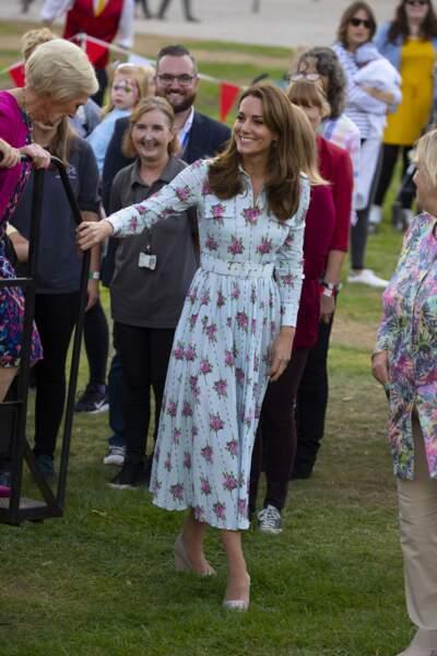 Kate Middleton renoue avec les espadrilles Castaner comme l'été 2019.