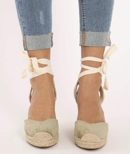 Sandales compensées en paille, Pimkie, 25,99 €