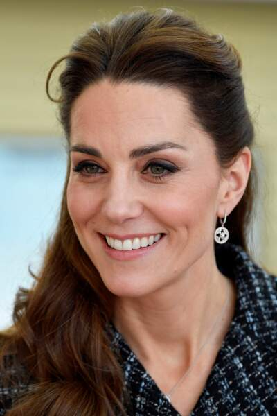 Kate Middleton avec une demie-queue de cheval le 28 janvier 2020.