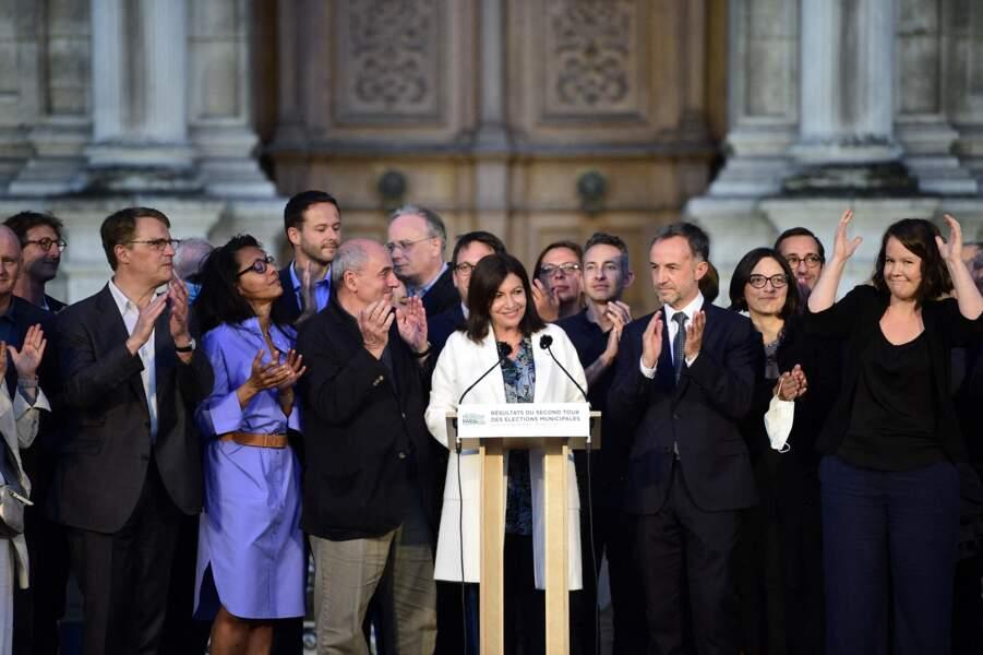 Aux côtés d'Audrey Pulvar et Anne Hidalgo, se trouvent également Marie-Christine Demardeley, Patrick Bloche, Jean-Louis Missika, et Emmanuel Grégoire.