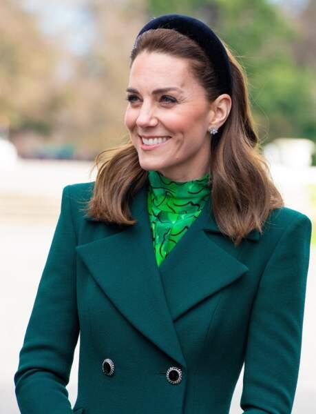 Kate Middleton possède toujours la même passion pour les serre-tête large, le 3 mars 2020.