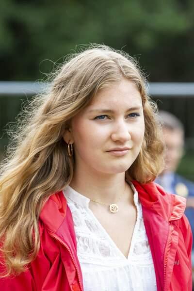 Pour l'instant, la princesse Elisabeth a décidé de poursuivre ses études dans une école militaire