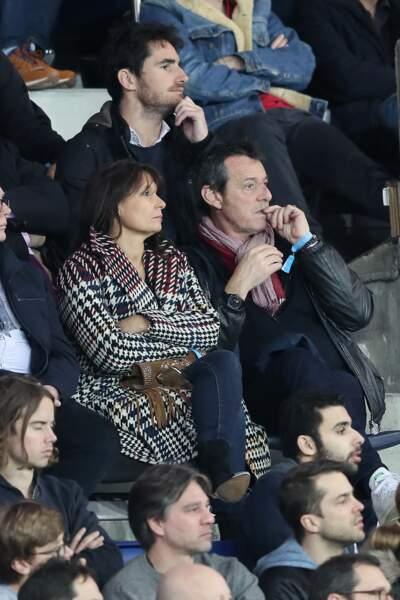 Jean-Luc Reichmann et Nathalie Lecoultre lors d'un match de foot