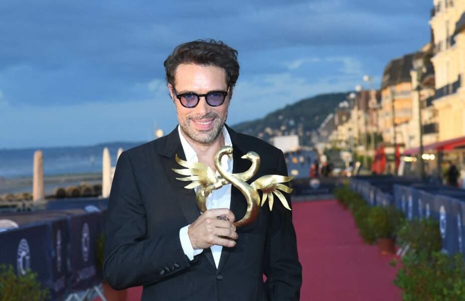 Nicolas Bedos a remporté le Swann d'Or de la meilleure réalisation pour La Belle Epoque à l'occasion du festival de Cabourg, ce 29 juin 2020.