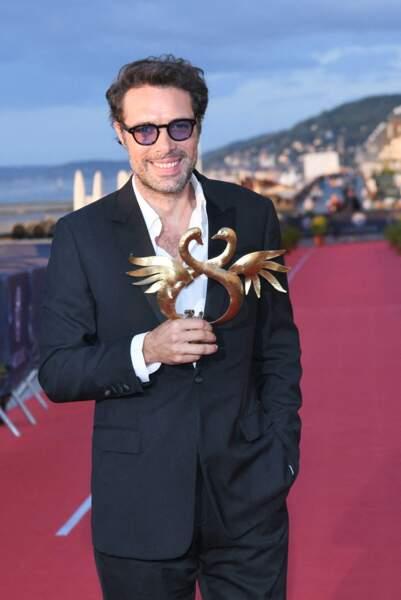 Nicolas Bedos a reçu le Swann d'Or de la meilleure réalisation pour La Belle époque.