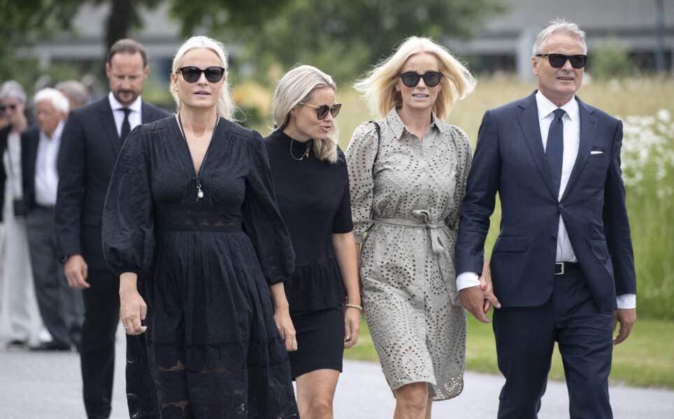 La princesse Mette-Marit et ses frères et soeurs sont venues soutenir leur mère, ce 26 juin 2020.
