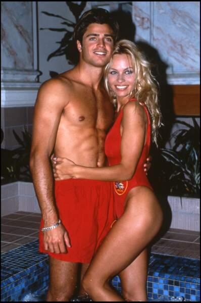David Charvet : de 1992 à 1994, Pamela Anderson fréquente celui avec qui elle partage l'affiche d'Alerte à Malibu, David Charvet