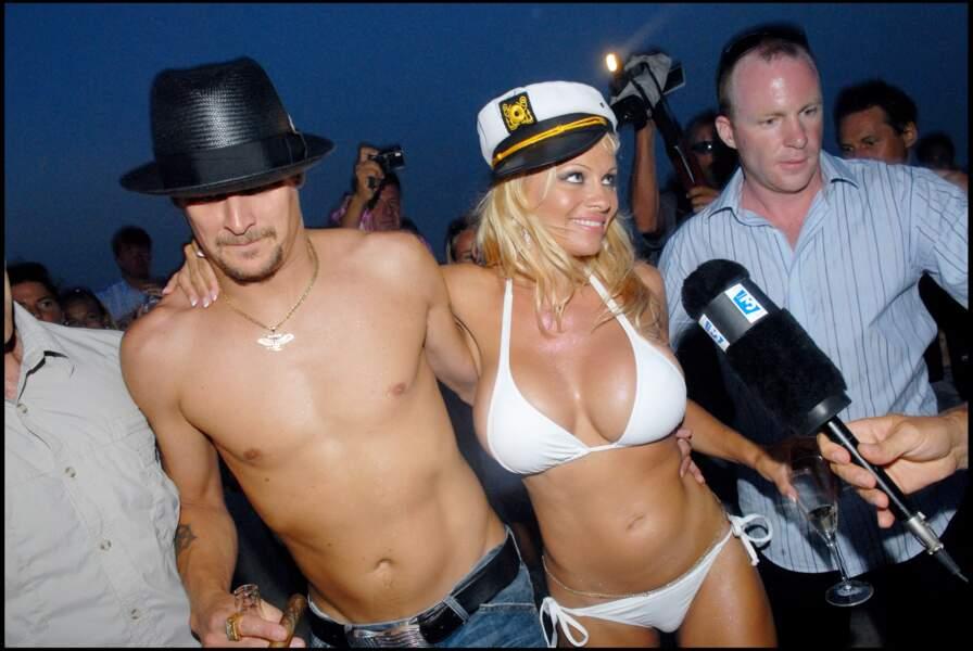 Kid Rock : Pamela Anderson fréquente  Kid Rock en 2001 et se fiance l'année suivante. Ils se séparent en 2003 mais se remettent ensemble en 2006 et se marient en juillet à Saint-Tropez. En novembre, 17 jours après la fausse couche de l'actrice, ils divorcent