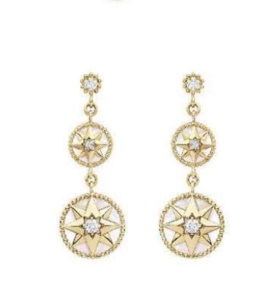 Boucles d'oreilles en or, 5500€, Dior Joaillerie.