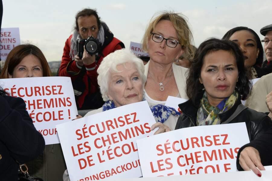 Charlotte Valandrey, Line Renaud, Claude Chirac et Saïda Jawad, à la Marche des femmes, place du Trocadéro, à Paris, le 13 mai 2014.