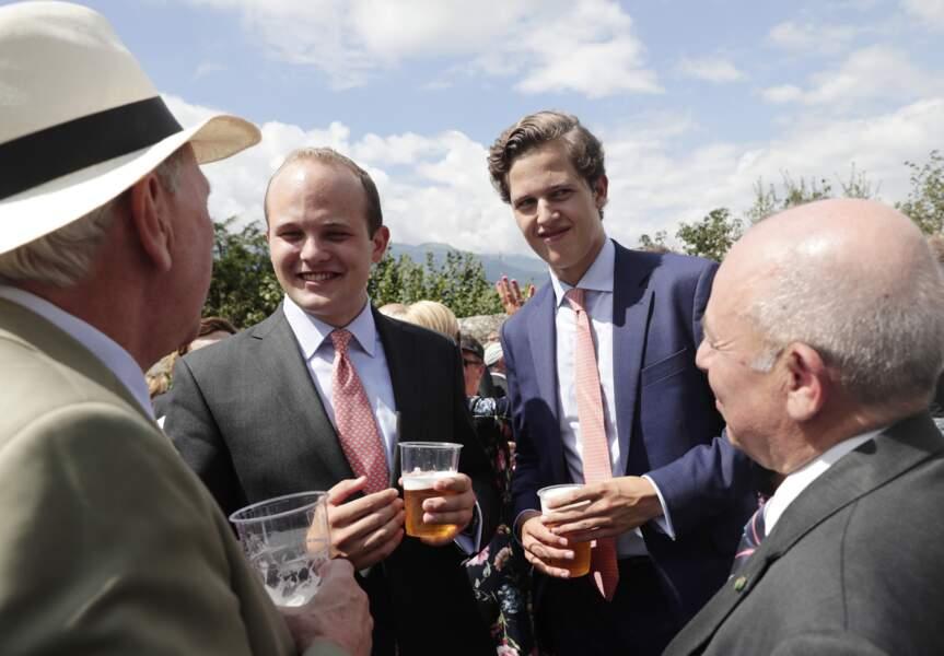 Les princes Joseph Wenzel, Georg et Nikolaus de Liechtenstein : ils sont deuxième, troisième et quatrième dans l'ordre de succession du trône, après leur père le prince Alois