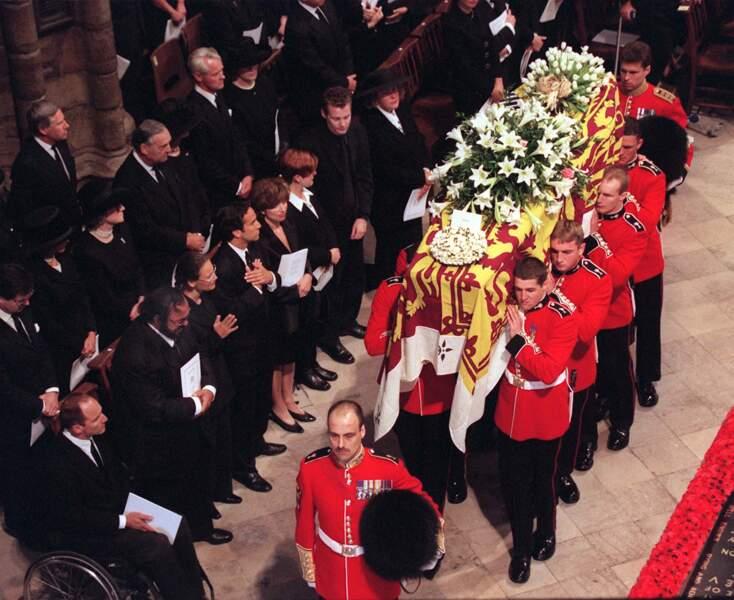 Lady Diana a eu droit à des funérailles publiques