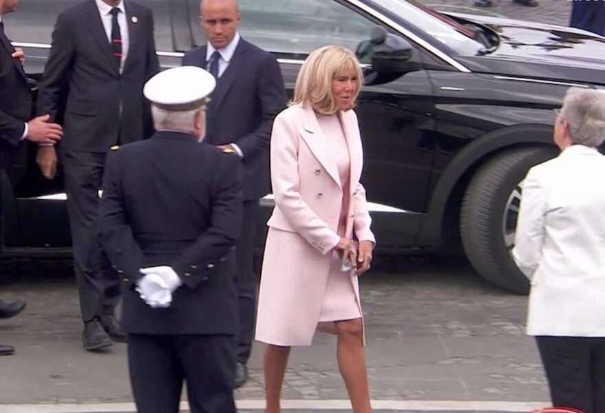 Brigitte Macron à son arrivée Place de la Concorde pour le défilé du 14 juillet 2020.
