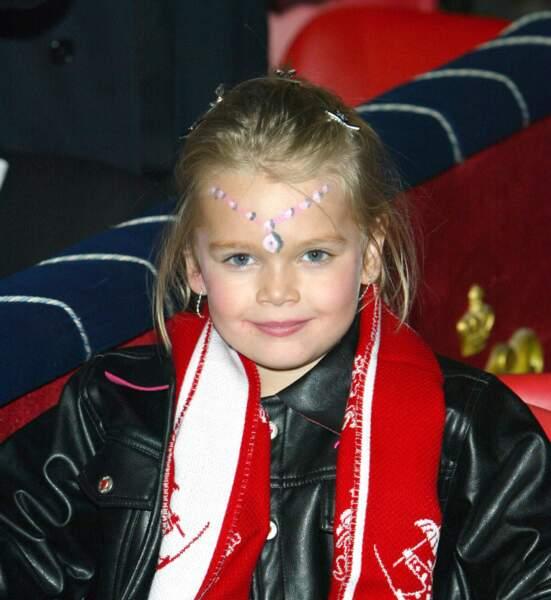 Camille Gottlieb, petite blondinette de 6 ans, et déjà présente au festival du Cirque en 2004.