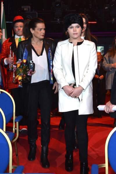 La Princesse Stéphanie de Monaco avec sa fille Camille Gottlieb, qui porte souvent des chapka comme au festival du cirque de Monte-Carlo au chapiteau de Fontvieille à Monaco, le 18 janvier 2015.