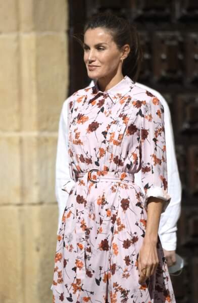 Le 15 juillet 2020, la reine Letizia d'Espagne recycle pour la troisième fois, une de ses robes fleuries.