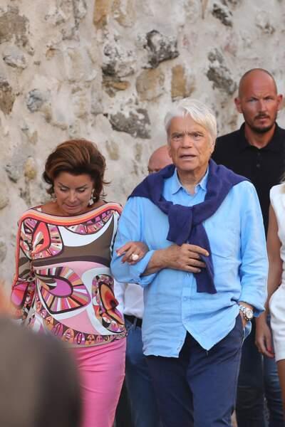 Bernard Tapie et sa femme Dominique sortent dans Saint-Tropez, ce 15 juillet 2020.