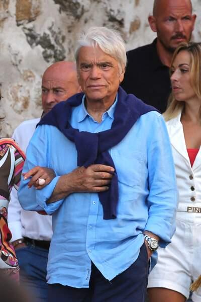"""Bernard Tapie est allé dîner au restaurant """"Le Girelier"""" à Saint-Tropez, le 15 juillet 2020, avec sa femme Dominique."""