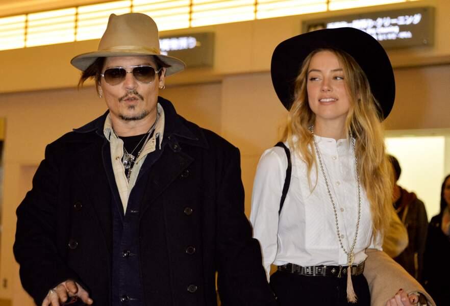 La bataille judiciaire fait rage entre Amber Heard et son ex-époux Johnny Depp en cet été 2020. Après un divorce houleux, les deux stars s'affrontent devant la justice et lavent leur linge (très) sale en public.