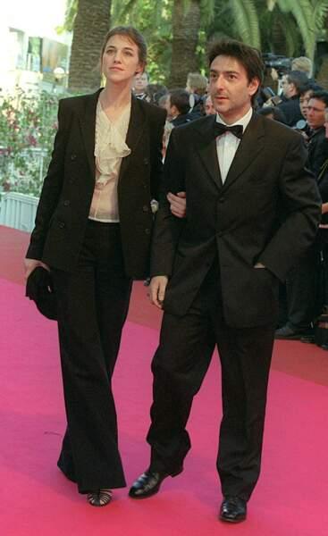 Charlotte Gainsbourg a 30 ans et un look un peu classique en 2001 à Cannes.