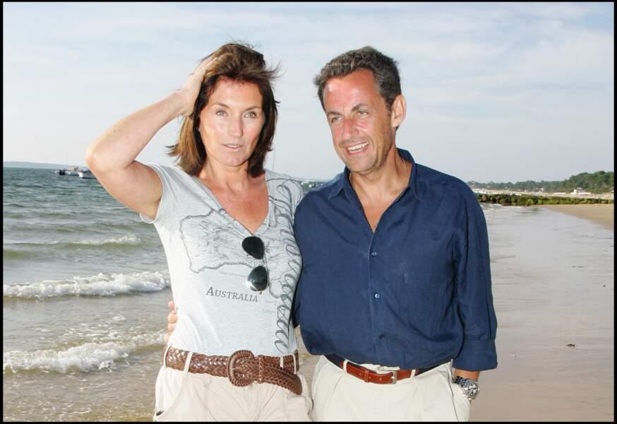 En pleine élection présidentielle, leur mésentente était criante. Puis à peine Nicolas Sarkozy élu président de la République en 2007, sa femme Cécilia prenait la poudre d'escampette. Heureusement, il a depuis croisé la route d'une jolie chanteuse prénommée Carla Bruni.